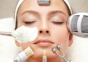 הדרך הנכונה לשטוף פנים – ולהימנע מ- 5 טעויות נפוצות !