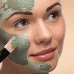 5 טיפים המסייעים בשמירה על עור פנים בריא בעונת הסתיו